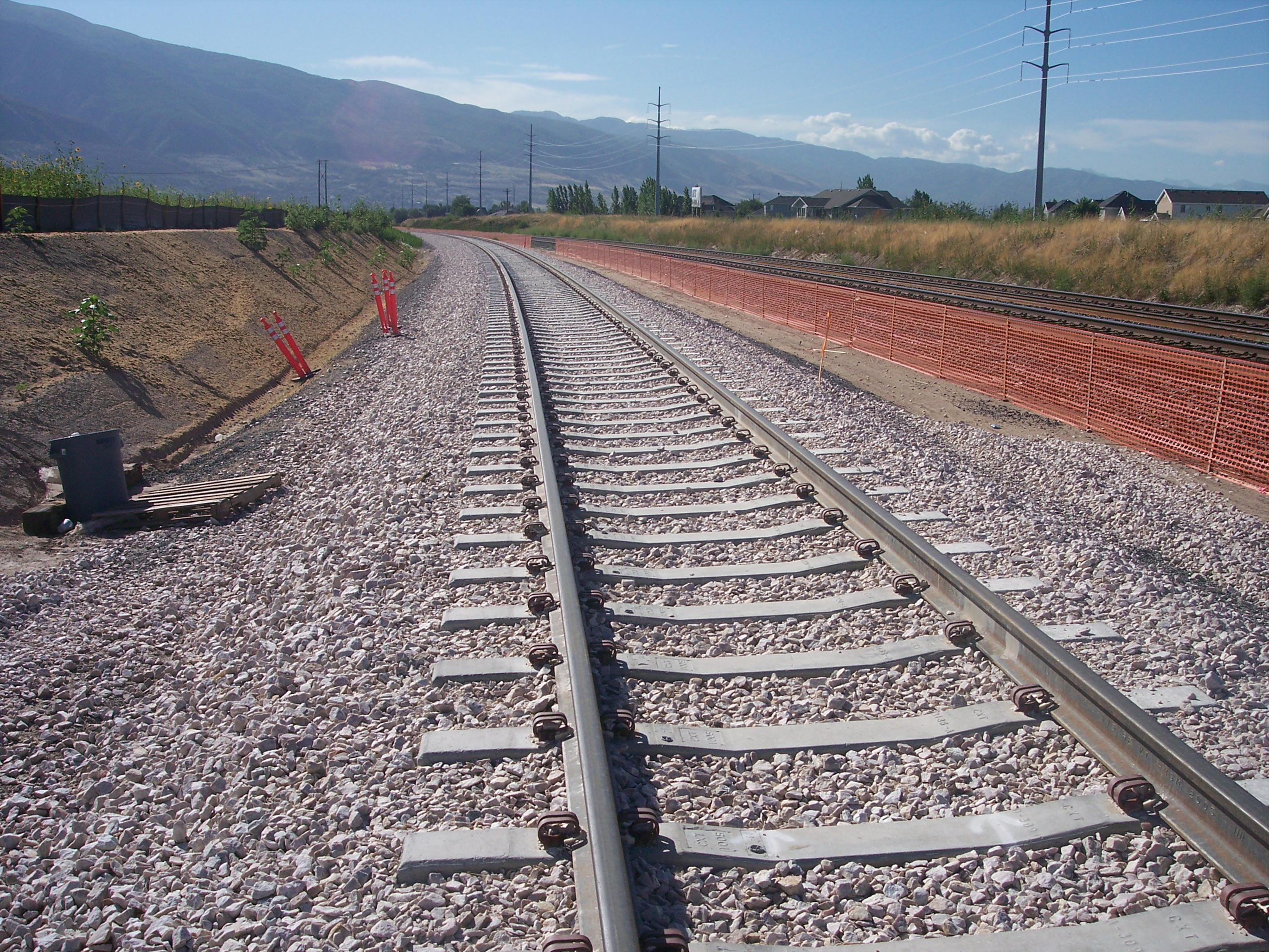 Better track performance with TriAx Geogrid